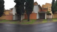 Cód. 1326C - Casa condomínio fechado.
