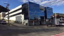Cód. 1592A - Sala comercial nova no Centro.