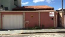Cód 1369C - Linda casa no final do Jardim Centenário, com 400m2 terreno.