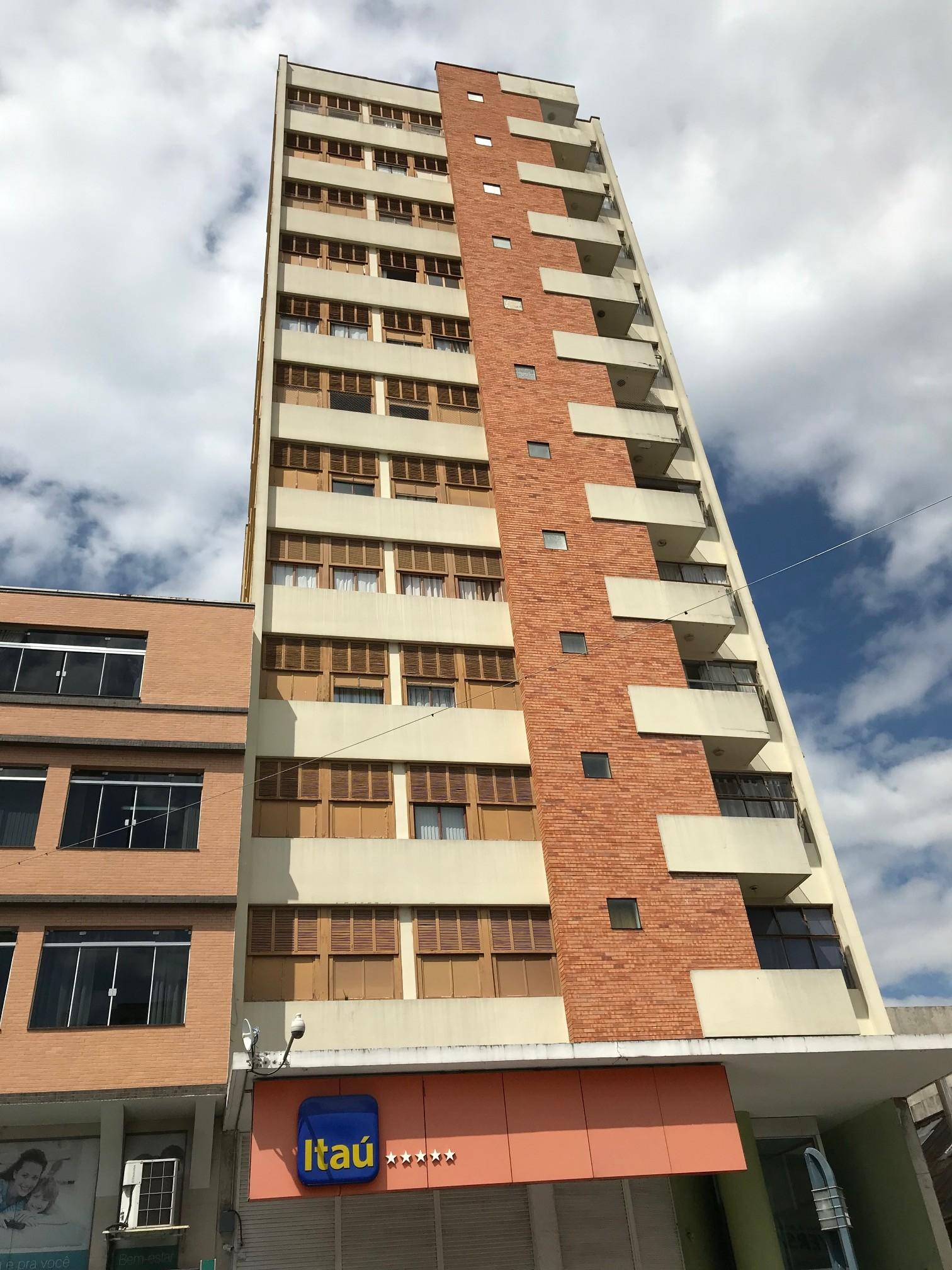 Cód. 1641A - Apartamento Central- Rua Assis Figueiredo (Ed. Benge)