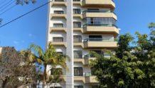 Cód 1660A - Lindo Apartamento 01 por Andar com 242,00 m2 de área útil  ( construidos em 1.000 m2 de lote na área central).