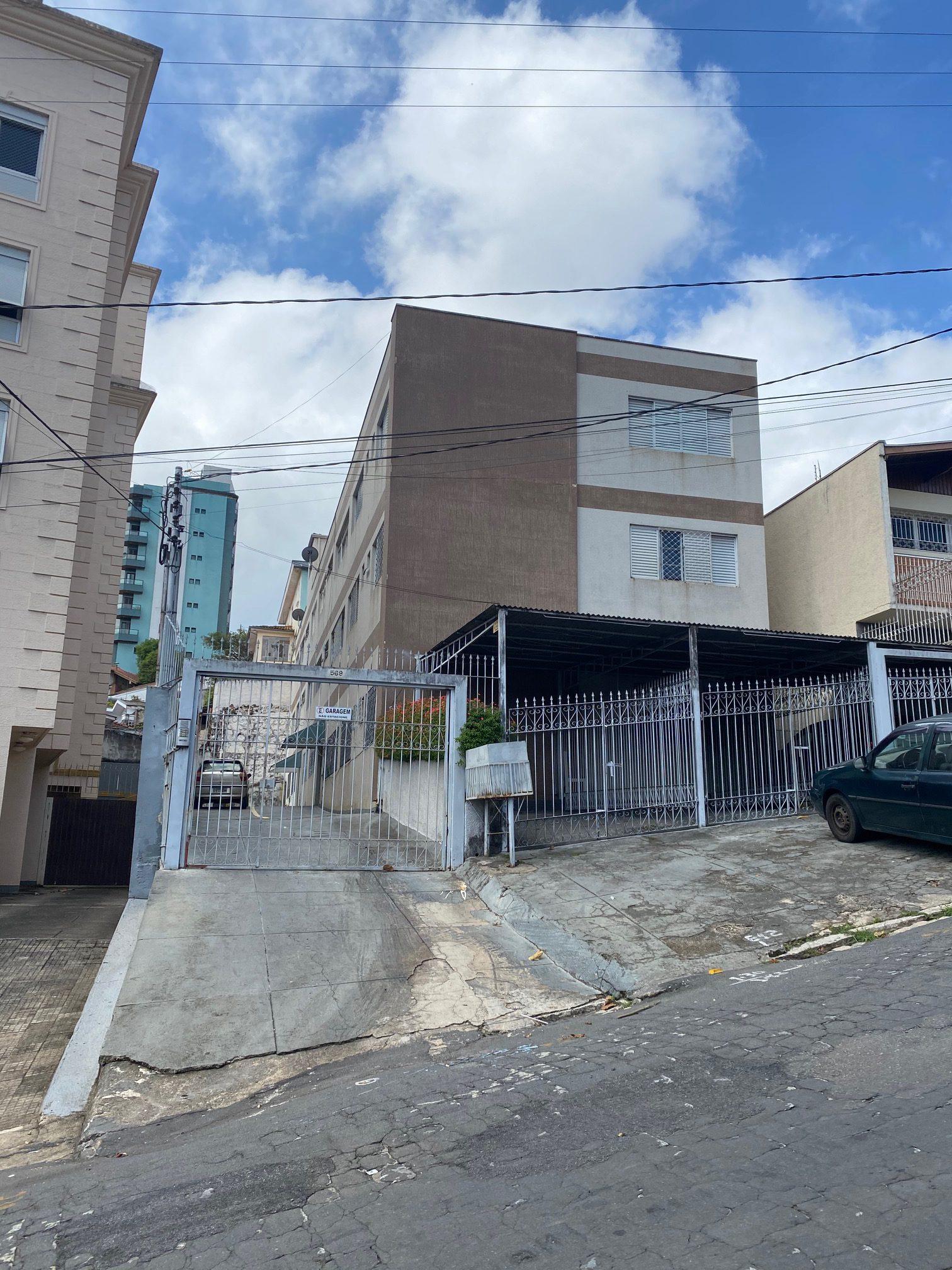 Cód 1672A - OPORTUNIDADE APTO NO CENTRO COM 100 M2 ÚTIL ( 03 quartos 01 suite) TODO REFORMADO...