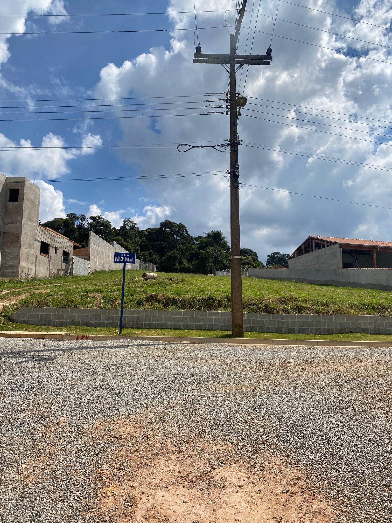 Cód 443T - Linda Chácara em CondomÍnio Fechado ( ALTO DA BOA VISTA ), com 2.000,38 m2.