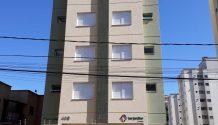 Cód 1679A - Apartamento central .